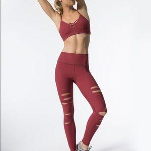 Alo yoga high rise ripped warrior leggings  M